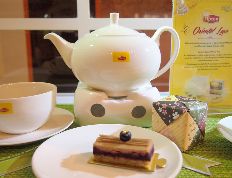One of the 6: Lipton Asian White Tea with Chestnut Cassis Sponge Cake