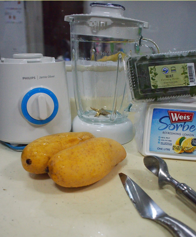 The ingredients for a refreshing mango smoothie