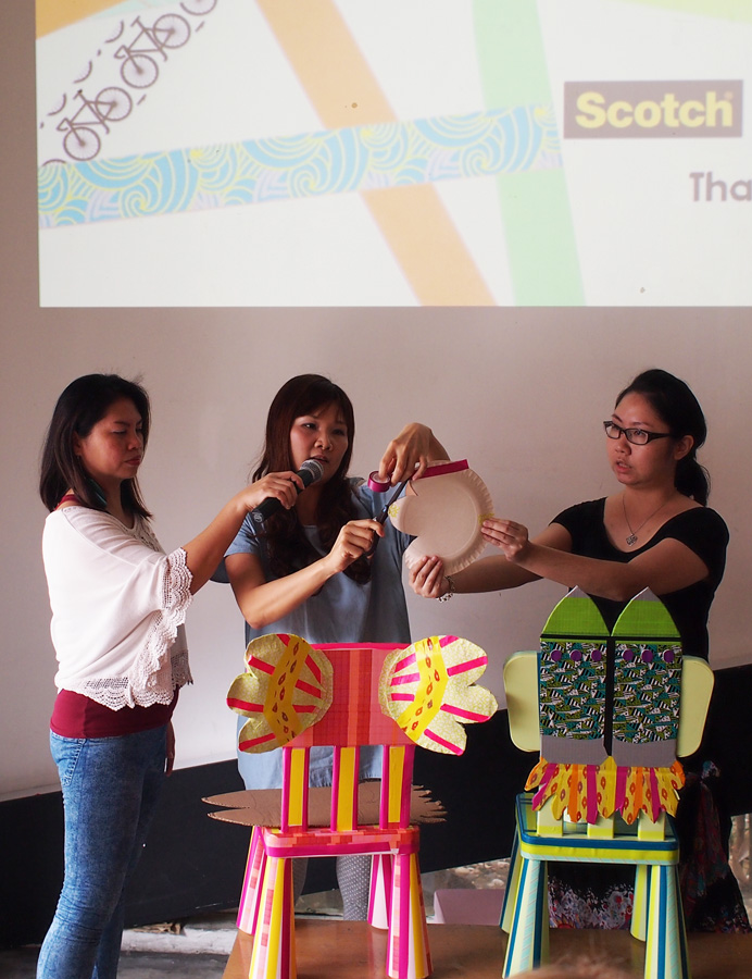 We were given a demo by the trainers from Artz Graine, a leading art studio that creates a platform for art cultivation