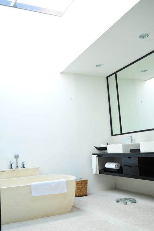 Bath room and bath tub