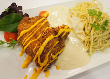 Spaghetti with Chicken Cutlet and E'spuma Bacon Sauce (SGD6.80)
