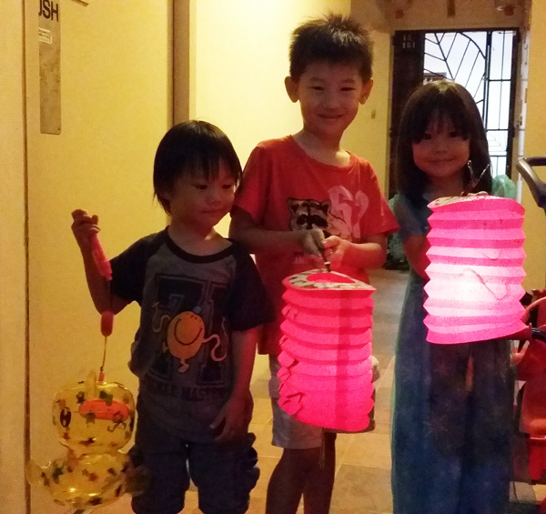 Kao Kids and Lanterns