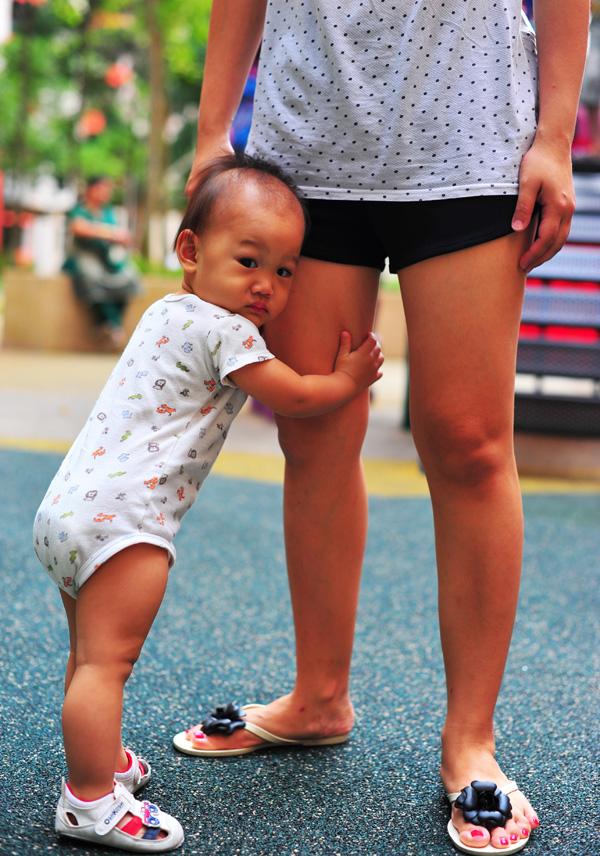 Nat and Mama's leg