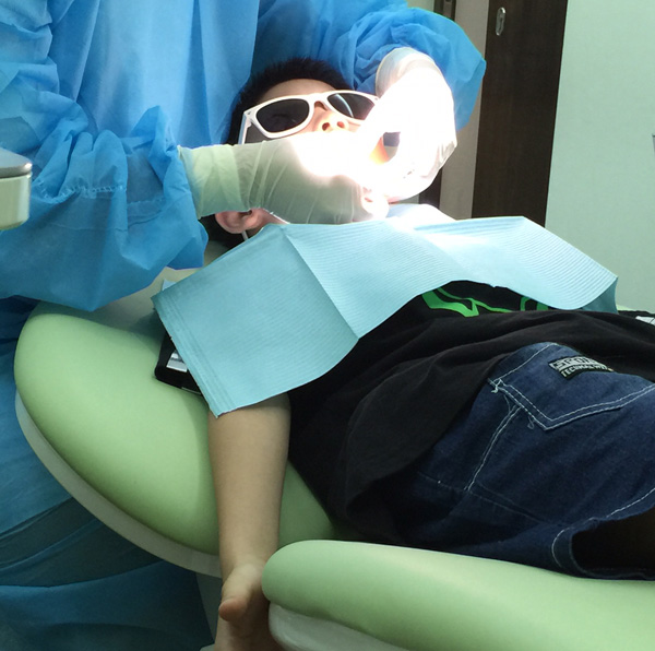 Dentist Chair 01