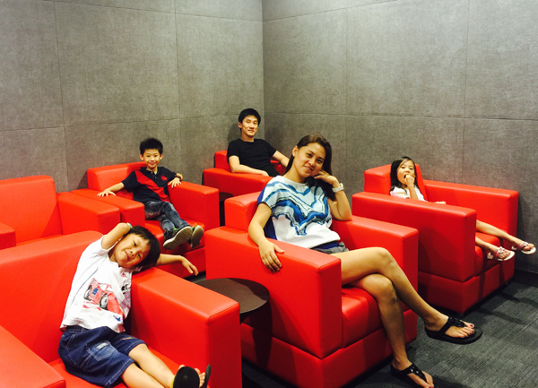 Super comfy lounge seats and an even super good reason to be with family