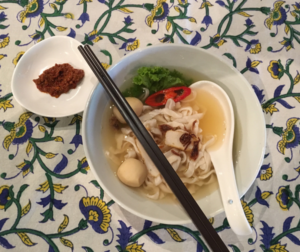Simple tok tok mee with belachan filled with flavours to savour!